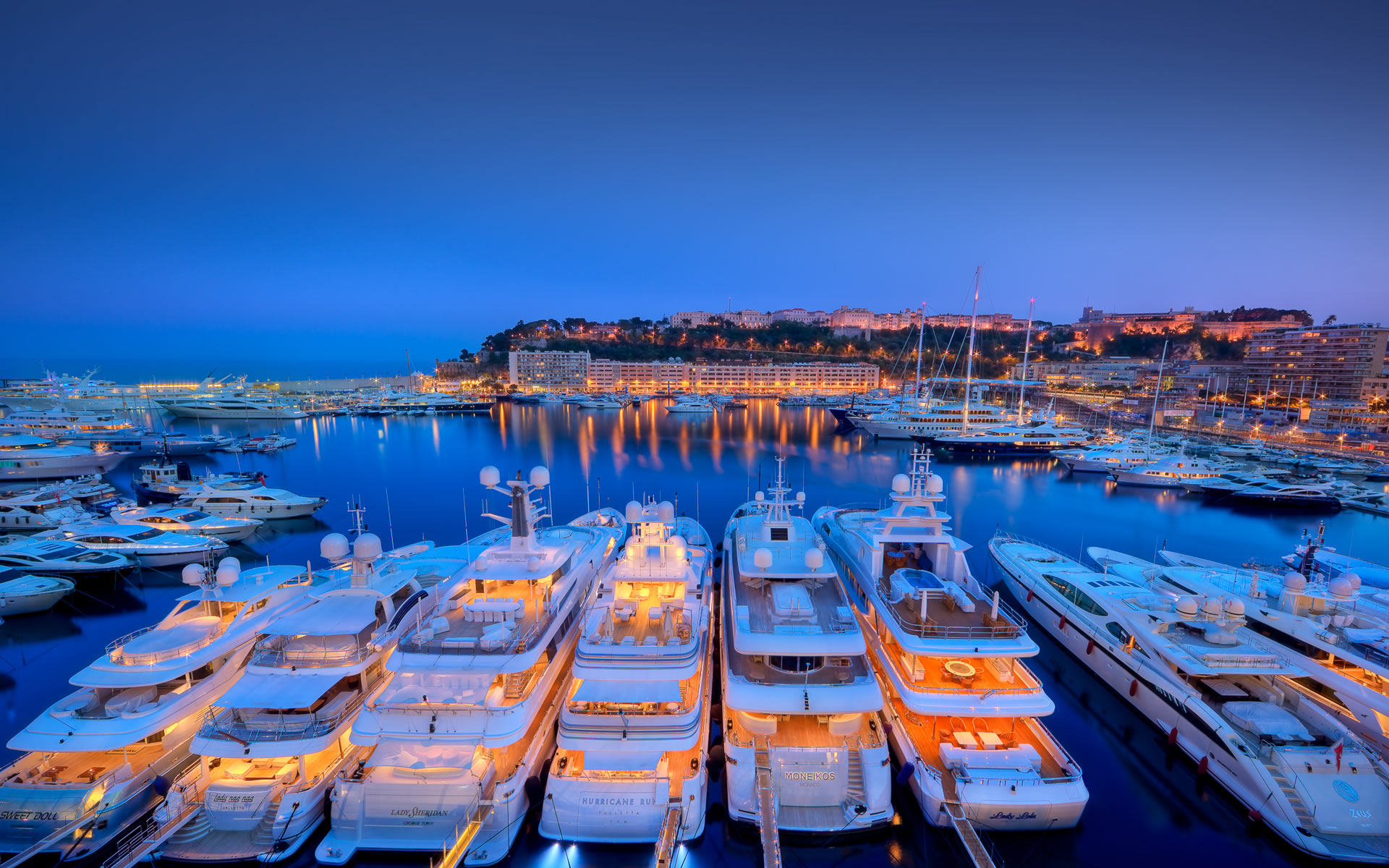 top 5 marinas for yacht charter