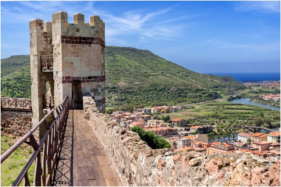 château de Serravalle, location bateau Sardaigne
