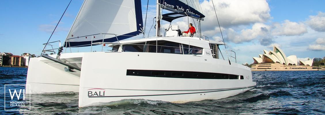 Bali 4.3 Catana Catamaran Exterior 1