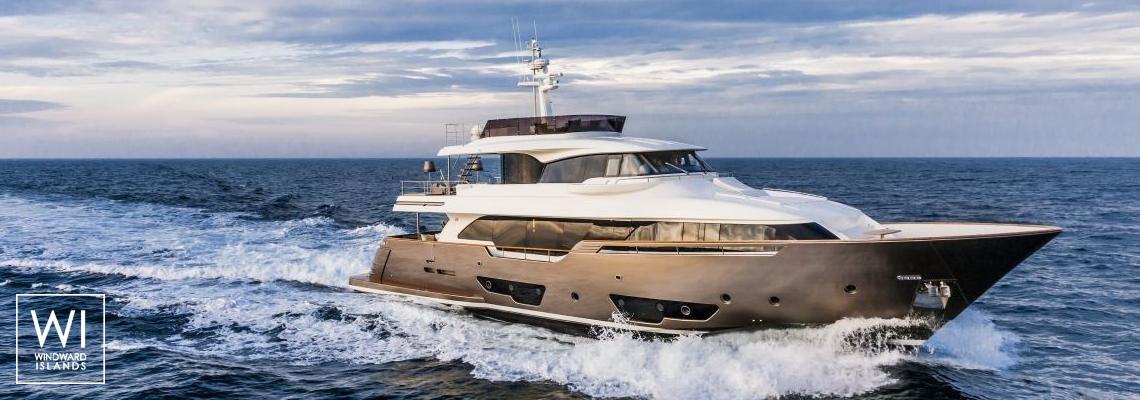 Corse - Secret Life (ex Al Mahboba)Feadship Classic yacht 45M