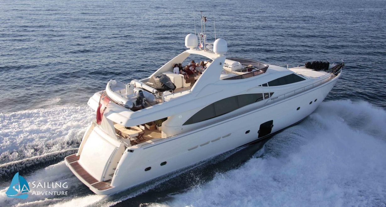 Location de bateaux Yacht830