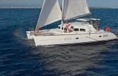 双体帆船裸船