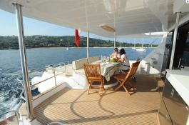Queensland 55 Fountaine Pajot Interior 2
