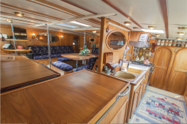 Conan   Catamaran 24M Interior 5
