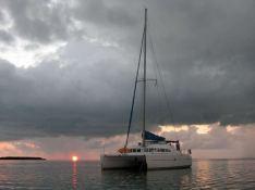 Guiding Light  Lagoon Catamaran Lagoon 410 Exterior 3