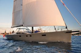 Sloop 85 Custom Exterior 1