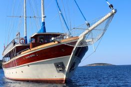 - TJC 31M Turkish Gulet Exterior 1