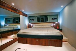 Squadron 65 Fairline Interior 2