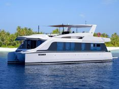 OVER REEF   Catamaran 54' Exterior 1