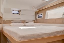 Lagoon 400 S2 with Watermaker Interior 4
