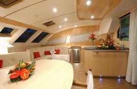 Privilege 585 Alliaura Marine Interior 2