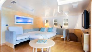 Bella Vita (ex Necker Belle) CMN Catamaran 32M Interior 4