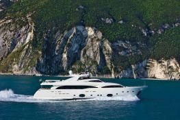 Camarik  Ferretti Yacht 34M Exterior 3
