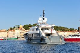 360°  ISA Yacht 49M Exterior 1