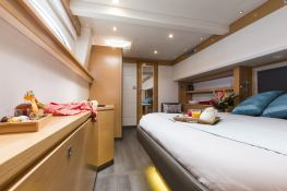 Victoria 67' Fountaine Pajot Interior 7