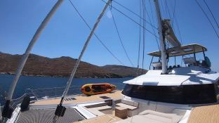 BLACK CAT  Fountaine Pajot Victoria 67' Interior 10