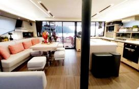 BLACK CAT  Fountaine Pajot Victoria 67' Interior 11