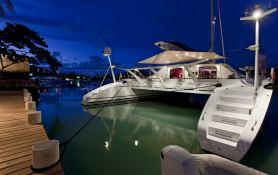 Magic Cat Multiplast Catamaran 25M Exterior 2