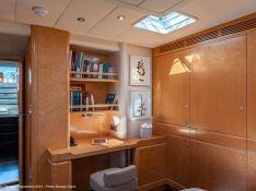 Grand Bleu Vintage  CNB Sloop 95' Interior 1