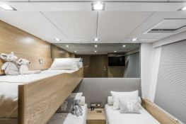 Calmao  Sunreef Catamaran Sail 74' Interior 5