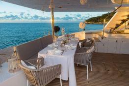 Calmao  Sunreef Catamaran Sail 74' Interior 12