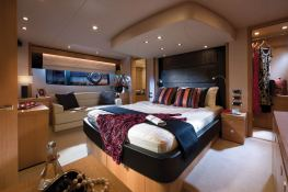 Manhattan 63' Sunseeker Interior 3