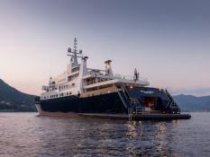 Bleu de Nimes  Clelands Yacht 237 Exterior 1