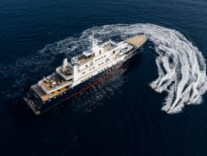 Bleu de Nimes  Clelands Yacht 237 Exterior 4