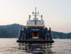 Bleu de Nimes  Clelands Yacht 237 Exterior 5