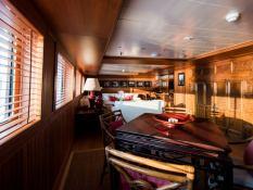 Bleu de Nimes  Clelands Yacht 237 Interior 17