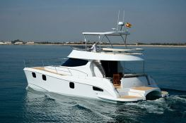 Flashcat 435 Flash Catamaran Exterior 1
