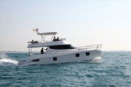 Flashcat 435 Flash Catamaran Exterior 2