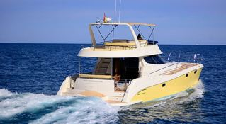 Flashcat 435 Flash Catamaran Exterior 3