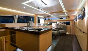 Ipharra  Sunreef Catamaran Sail 102' Interior 3