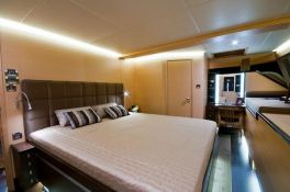 Ipharra Sunreef Catamaran Sail 102' Interior 5