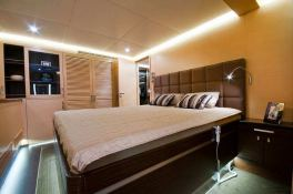 Ipharra  Sunreef Catamaran Sail 102' Interior 4