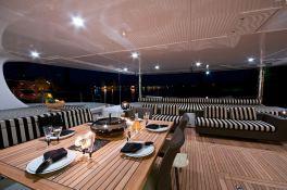 Ipharra  Sunreef Catamaran Sail 102' Interior 8