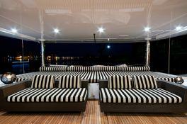 Ipharra  Sunreef Catamaran Sail 102' Interior 9