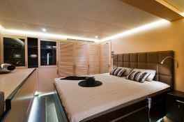 Ipharra  Sunreef Catamaran Sail 102' Interior 10