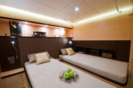 Ipharra  Sunreef Catamaran Sail 102' Interior 12