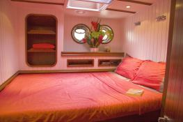 Dame Des Tropiques  CMN Schooner 28M Interior 2