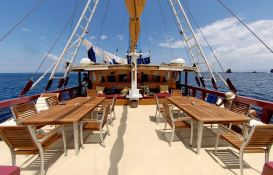 Seven Seas   Schooner 40M Exterior 2