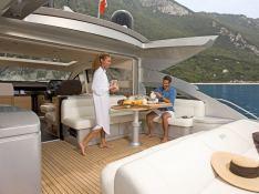 Cayenne Pershing Yachts Pershing 64 Interior 1