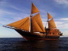 Alila Purnama Yacht 46M Exterior 1