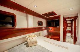 Dolce Vita  Sunreef Catamaran Sail 62' Interior 10