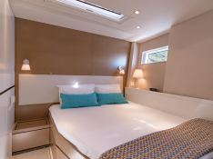 Neyina  CNB Sloop 76' Interior 9