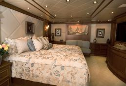 Lady M (ex Aquasition) Intermarine Yacht 45M Interior 2