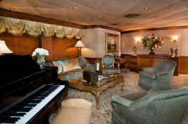 Lady M (ex Aquasition) Intermarine Yacht 45M Interior 1