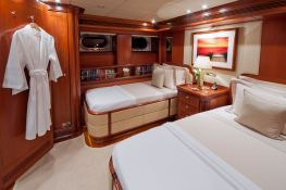 Hyperion Royal Huisman Sloop 48M Interior 11