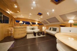 Lady Alliaura Alliaura Marine Privilege 745 Interior 2